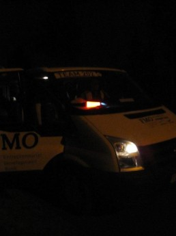 the van of team A arriving at Base camp 1 Huleux